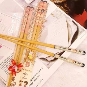 HAMPERS DAN SOUVENIR BANDUNG Chopsticks  Couple Kami Gracia Gift Bandung menyediakan berbagai macam hampers untuk berbagai keperluan seperti souvenir ulang tahun, souvenir manyue, baby shower souvenir, souvenir pernikahan, sumpit pasangan sovenir bandung dll