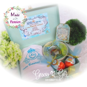 HAMPERS | MANYUE | SOUVENIR AQIQAH | SOUVENIR WEDDING BANDUNG | HAMPERS MANYUE BANDUNG | GOODIE BAG ULANG TAHUN BANDUNGSOUVENIR PERNIKAHAN BANDUNG | Hampers mangkok beling packing hard box Kami Gracia Gift Bandung menyediakan berbagai macam hampers untuk berbagai keperluan seperti souvenir ulang tahun, souveniKr manyue, baby shower souvenir, souvenir pernikahan bandung dll